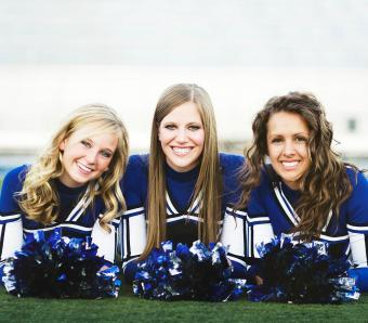 https://cf.ltkcdn.net/cheerleading/images/slide/252966-850x744-1-pictures-cheerleader-poses.jpg