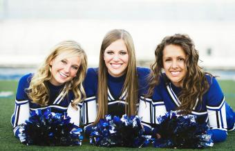 Pictures of Cheerleader Poses and Moves