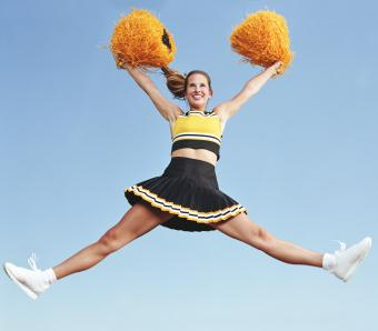 https://cf.ltkcdn.net/cheerleading/images/slide/253025-850x744-13-pictures-basic-cheer-motions.jpg
