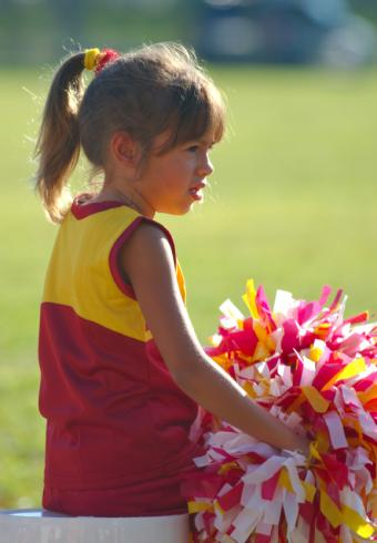 https://cf.ltkcdn.net/cheerleading/images/slide/51459-577x832-littlest-cheerleader.jpg