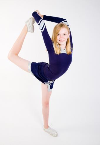 https://cf.ltkcdn.net/cheerleading/images/slide/51498-577x832-arabesque.jpg