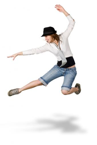 https://cf.ltkcdn.net/cheerleading/images/slide/51503-566x848-herkie-jump.jpg