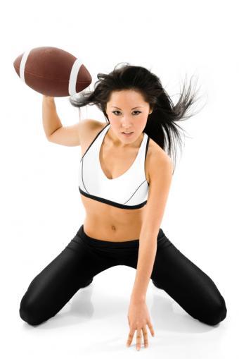 https://cf.ltkcdn.net/cheerleading/images/slide/51504-566x848-NFL-cheerleaders.jpg