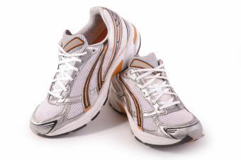 https://cf.ltkcdn.net/cheerleading/images/slide/51568-849x565-shoes.jpg