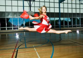 https://cf.ltkcdn.net/cheerleading/images/slide/51601-828x580-School-cheers-2.jpg
