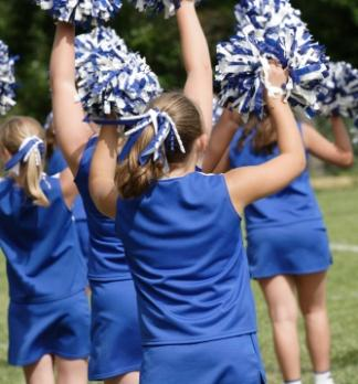 middle school cheerleaders