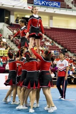 pyramid stunt
