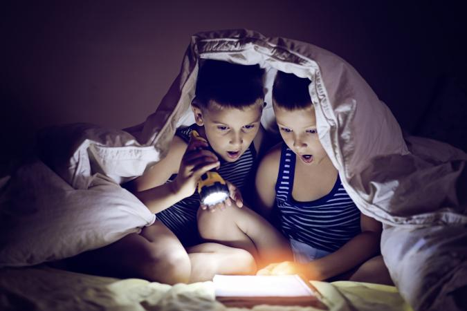 Reading with a flashlight