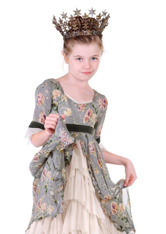 https://cf.ltkcdn.net/childrens-clothing/images/slide/131630-583x823r1-pageantperiod.jpg