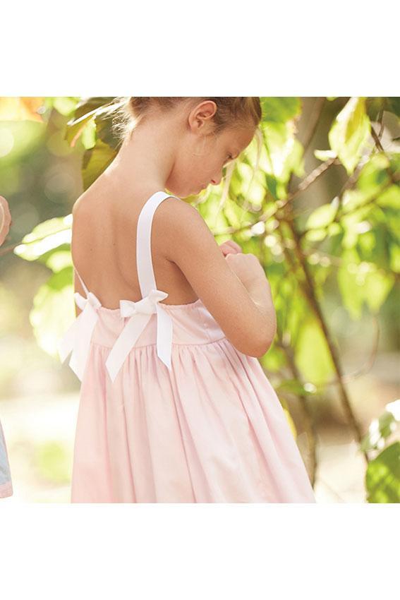 https://cf.ltkcdn.net/childrens-clothing/images/slide/192121-567x850-simon-dress-back.jpg