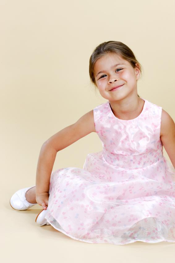 https://cf.ltkcdn.net/childrens-clothing/images/slide/40184-566x848-iStock_000009968425Small.jpg