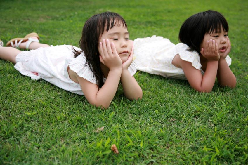 https://cf.ltkcdn.net/childrens-clothing/images/slide/40186-849x565-iStock_000010039683Small.jpg
