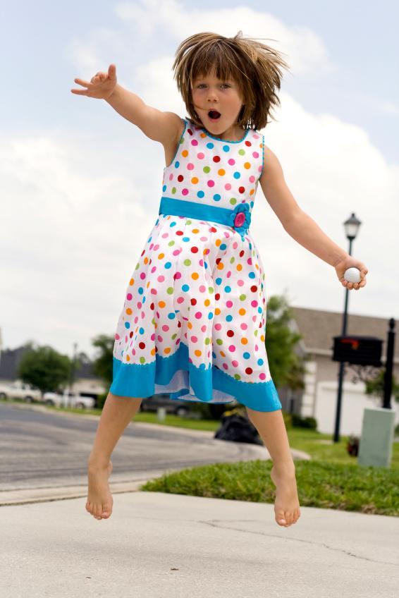 https://cf.ltkcdn.net/childrens-clothing/images/slide/40187-566x848-iStock_000009777825Small.jpg