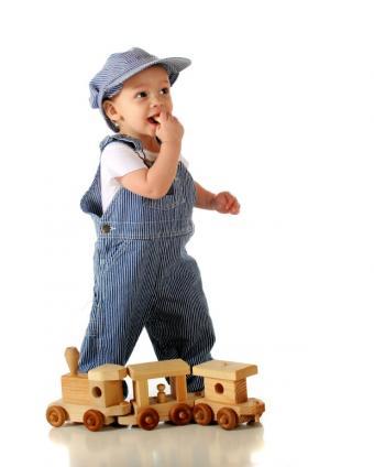 https://cf.ltkcdn.net/childrens-clothing/images/slide/127470-620x774r1-trainengineer.jpg