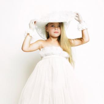 https://cf.ltkcdn.net/childrens-clothing/images/slide/131635-693x693r1-pageanthat.jpg