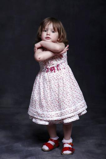 https://cf.ltkcdn.net/childrens-clothing/images/slide/188601-567x850-red-and-white-dress.jpg