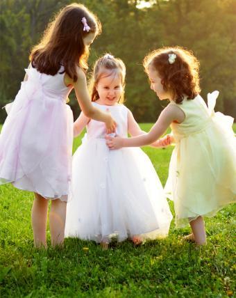 https://cf.ltkcdn.net/childrens-clothing/images/slide/214636-676x850-pastel-princess-dresses.jpg