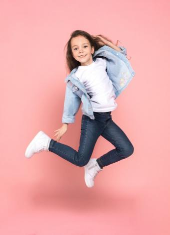 https://cf.ltkcdn.net/childrens-clothing/images/slide/230270-618x850-basics-clothing-style.jpg