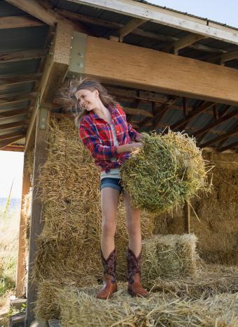 https://cf.ltkcdn.net/childrens-clothing/images/slide/230277-618x850-country-clothing-style.jpg