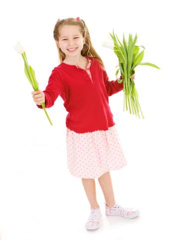 https://cf.ltkcdn.net/childrens-clothing/images/slide/40170-582x825-iStock_000008636674Small.jpg