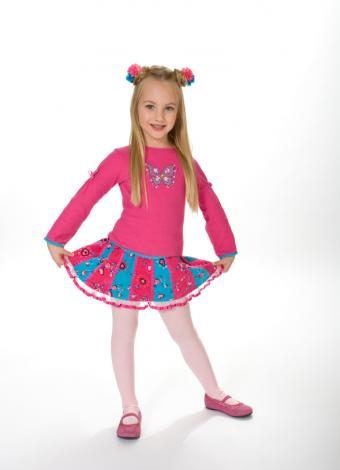 https://cf.ltkcdn.net/childrens-clothing/images/slide/40171-589x815-iStock_000005854055Small.jpg