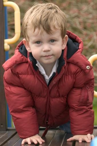 https://cf.ltkcdn.net/childrens-clothing/images/slide/40193-566x848-puffjacket.jpg
