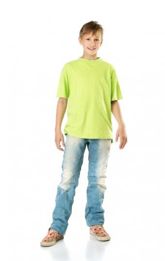 https://cf.ltkcdn.net/childrens-clothing/images/slide/40202-539x850-iStock_000010161481Small.jpg