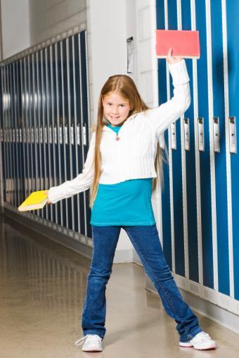 https://cf.ltkcdn.net/childrens-clothing/images/slide/40214-567x847-iStock_000010250838Small.jpg