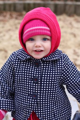 https://cf.ltkcdn.net/childrens-clothing/images/slide/40227-566x848-iStock_000008563419Small.jpg