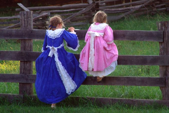 Colonial Girls' Clothing