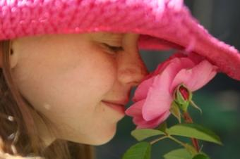 girl in pink straw hat