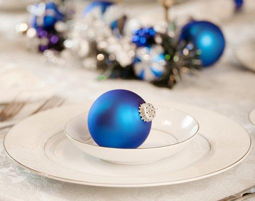 https://cf.ltkcdn.net/christmas/images/slide/1002-506x400-xmastable1.jpg