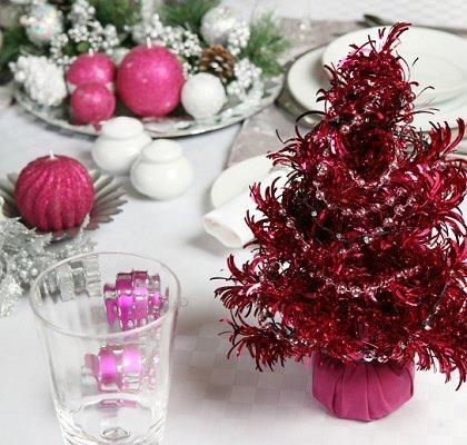 https://cf.ltkcdn.net/christmas/images/slide/1007-420x400-xmastable11.jpg