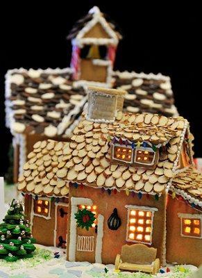 https://cf.ltkcdn.net/christmas/images/slide/1028-291x400-gingerhouse15.jpg