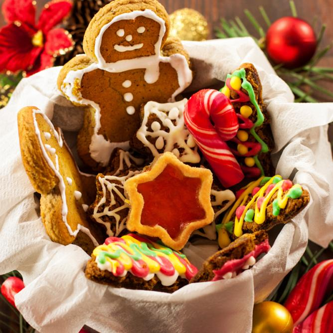 https://cf.ltkcdn.net/christmas/images/slide/164482-668x668-ChristmasCookieGift.jpg