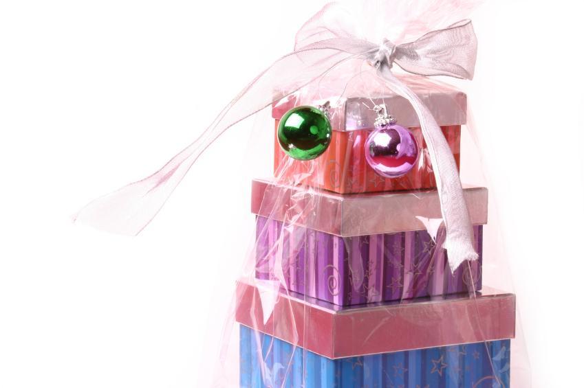 https://cf.ltkcdn.net/christmas/images/slide/165051-849x565-Stack-of-gifts.jpg