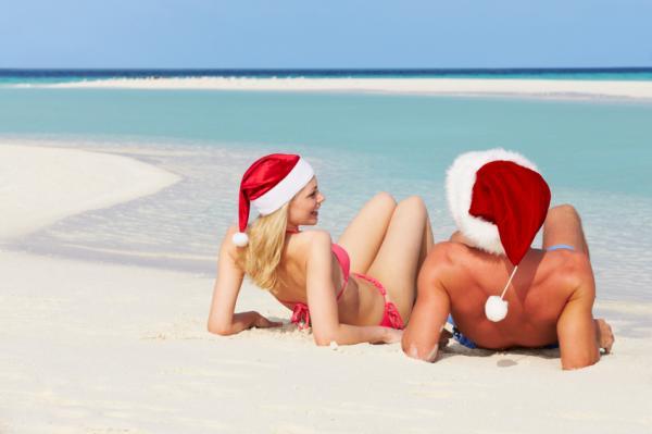 https://cf.ltkcdn.net/christmas/images/slide/166549-600x399-RomanticHolidayGetaway.jpg