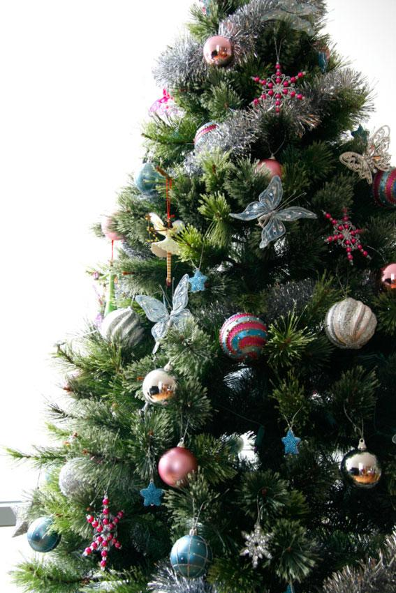 butterfly christmas tree pictures of decorated christmas trees slideshow 1389