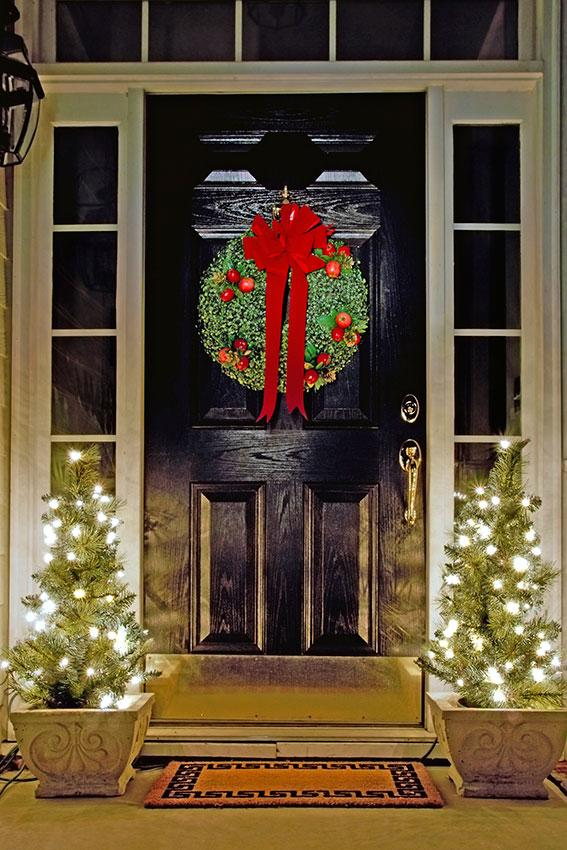 Christmas wreath on front door Source · Christmas entry decorations & Front Door Christmas Decoration Ideas | LoveToKnow