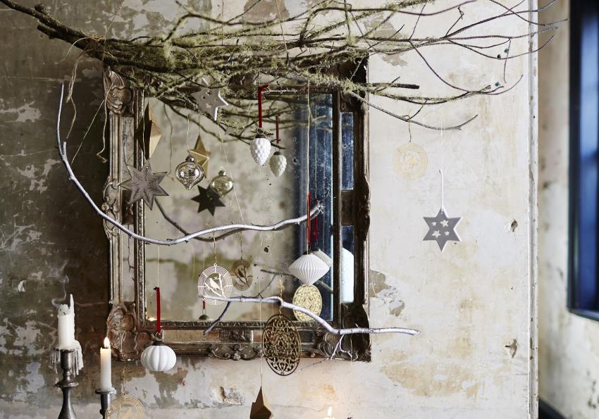 https://cf.ltkcdn.net/christmas/images/slide/252001-850x595-12_Rustic_Christmas_Display.jpg