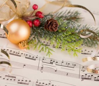 https://cf.ltkcdn.net/christmas/images/slide/127843-458x400-xeve10.jpg