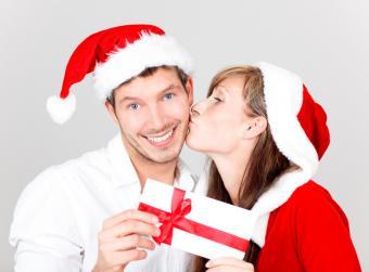 https://cf.ltkcdn.net/christmas/images/slide/166547-600x442-ChristmasLoveCoupons.jpg