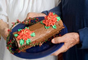 holiday cake gift