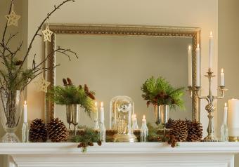 https://cf.ltkcdn.net/christmas/images/slide/254036-850x595-1_Primary_Fireplace_decor.jpg