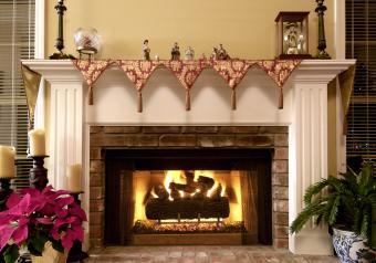 https://cf.ltkcdn.net/christmas/images/slide/254045-850x595-10_Fireplace_Mantel_Scarf.jpg