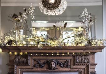 https://cf.ltkcdn.net/christmas/images/slide/254048-850x595-13_White_lights_Fireplace.jpg