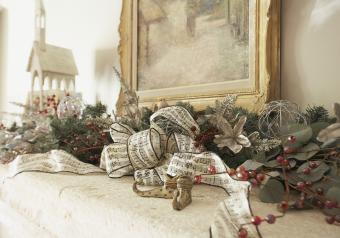https://cf.ltkcdn.net/christmas/images/slide/254049-850x595-14_Music_Theme_Fireplace.jpg