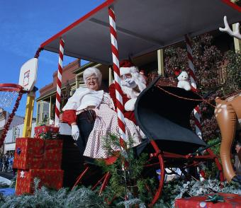 Christmas Parade with Santa and Mrs. Clause