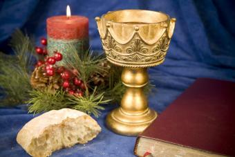https://cf.ltkcdn.net/christmas/images/slide/275051-850x566-communion.jpg