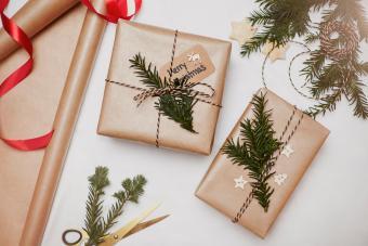 https://cf.ltkcdn.net/christmas/images/slide/275224-850x566-mini-christmas-trees.jpg